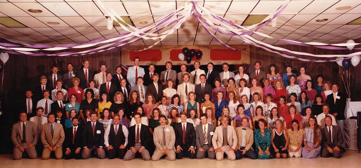 1986-reunion-group-photo-web
