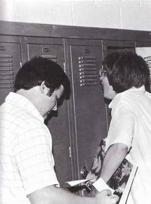 """Mike Bryant, right, finds Don Carter's """"note from home?"""" rather humorous but Don seems to think it'll work."""